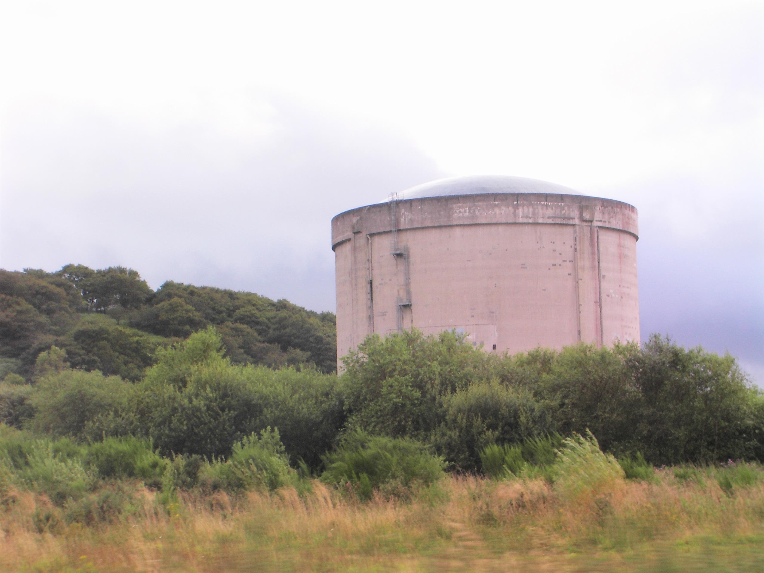 Site_nucléaire_de_Brennilis,_réacteur_vue_2